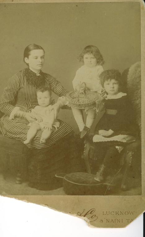 Byrne(Doran)_Mary_&_Kathleen_Margaret_May_IMG_1885or6
