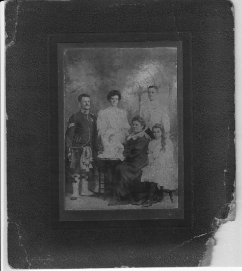 Buchanan, James, May & Marie w Doran, Mary, Jimmy, Norah ©1907a